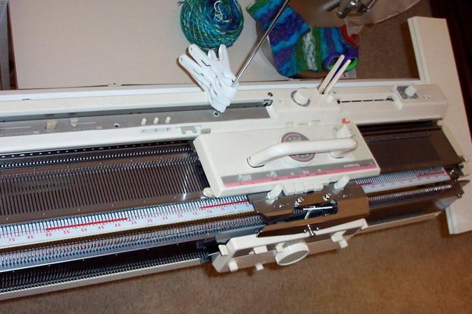 Вязание по-новому при помощи машинки