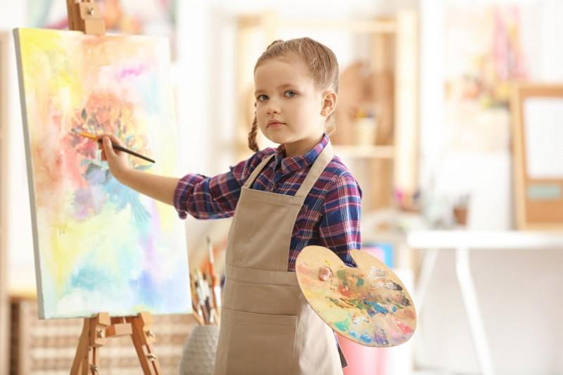 Что нужно знать родителям, отдающим ребёнка в художественную студию
