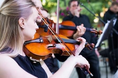 В столичных парках пройдут бесплатные концерты: афиша