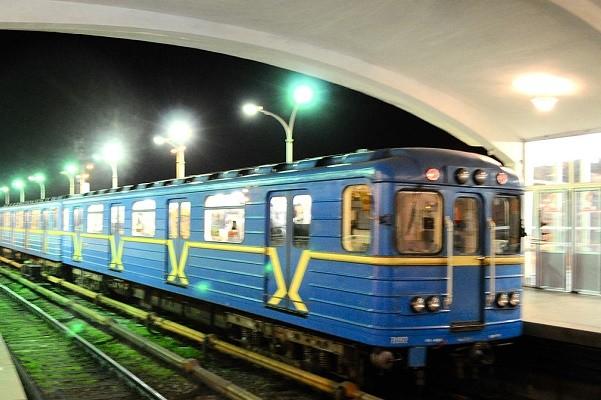 Столичное метро два дня будет работать на час дольше