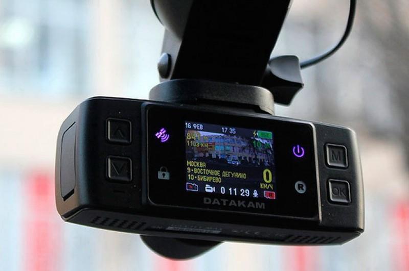 Как выбрать подходящий автомобильный видеорегистратор