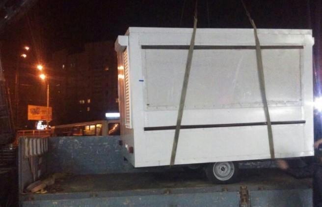 На прошлой неделе в Киеве убрали 25 самовольно установленных точек передвижной торговли