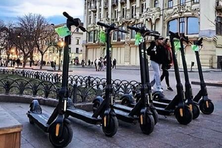 В Киеве откроется сервис проката электросамокатов