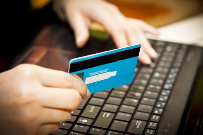 Может ли человек, работающий неофициально, получить кредит?