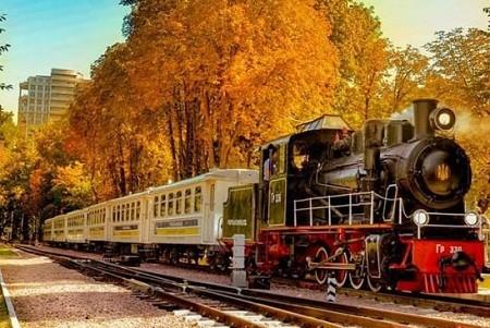 Киевская детская железная дорога приглашает на закрытие сезона