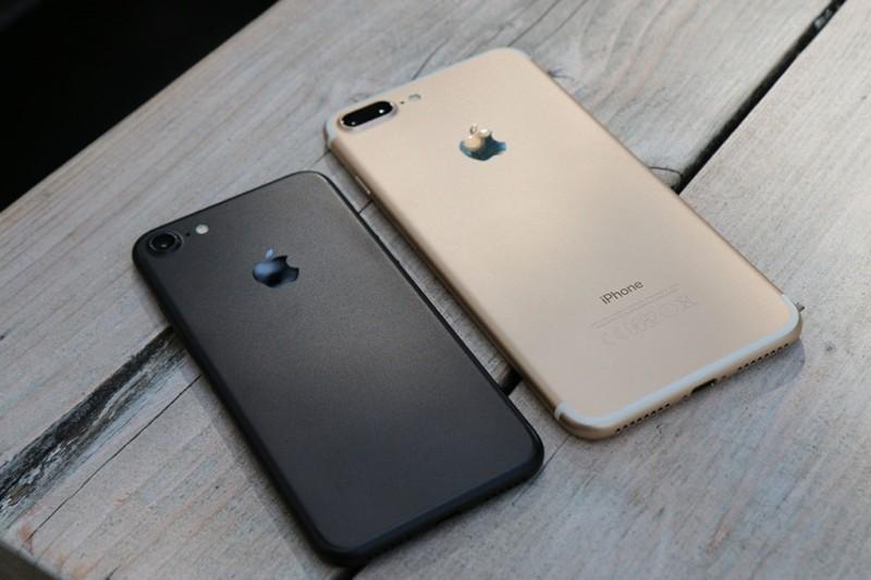 Что лучше – iPhone 7 или iPhone 8?